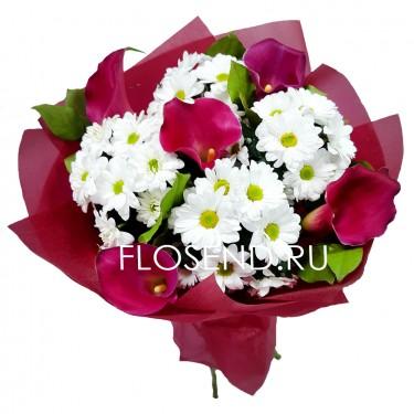 Букет из калл и белых хризантем